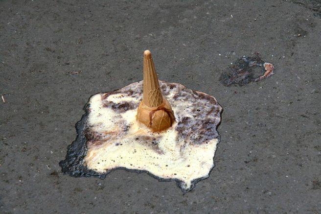 1024px-fallen-ice_cream-cone